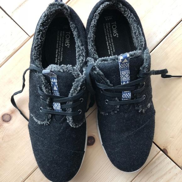 c468a25f7e7 NWT TOMS FLEECE LINED Del Rey Sneakers Women s 11